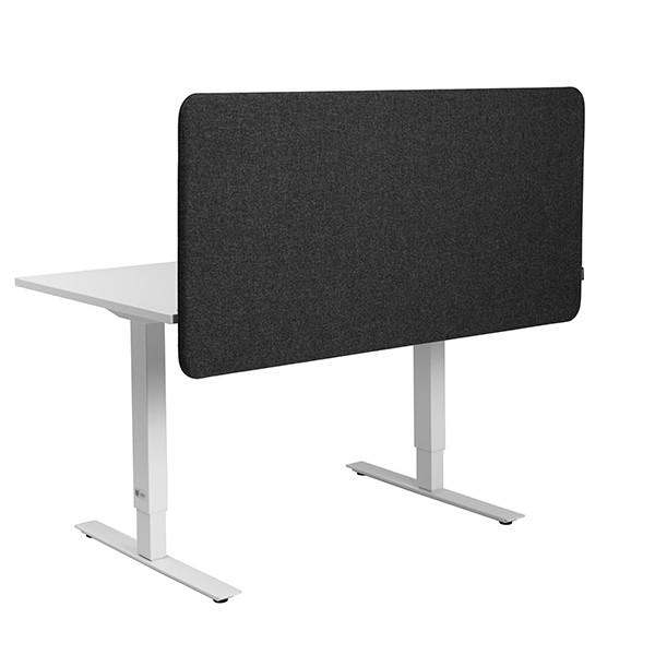 Een afbeelding van een akoestisch bureauscherm op Akoestiekspecialist genaamd Abstracta Softline 30 Deskscreen Floating.