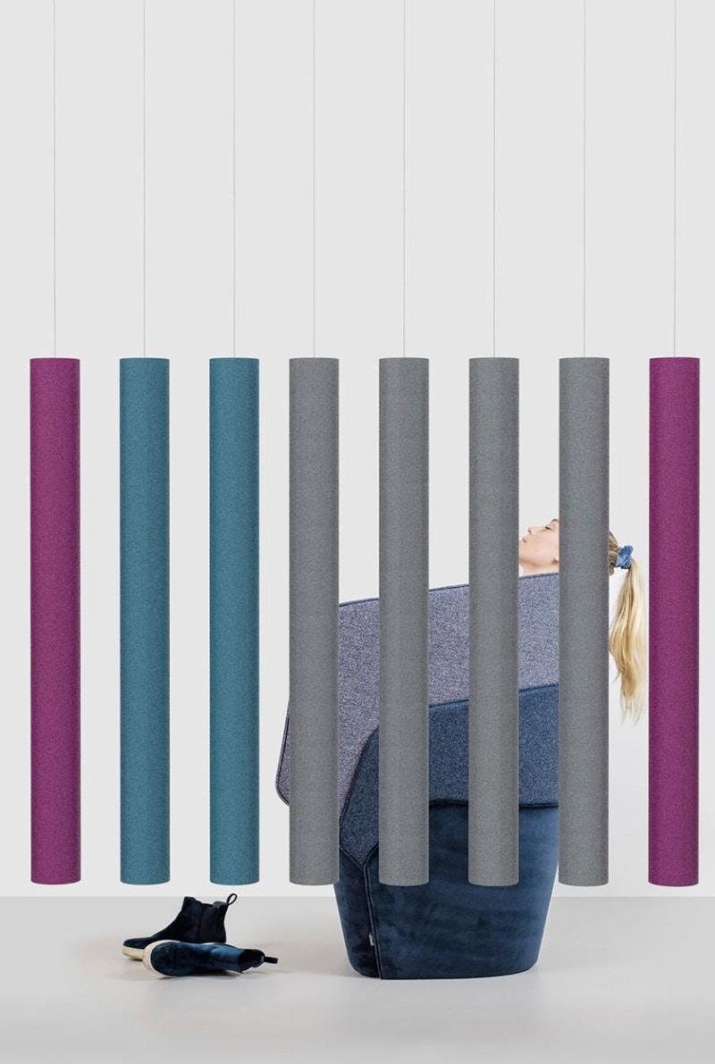 Een afbeelding van een akoestische ruimteverdeler op Akoestiekspecialist genaamd Offecct Soundsticks Straight.