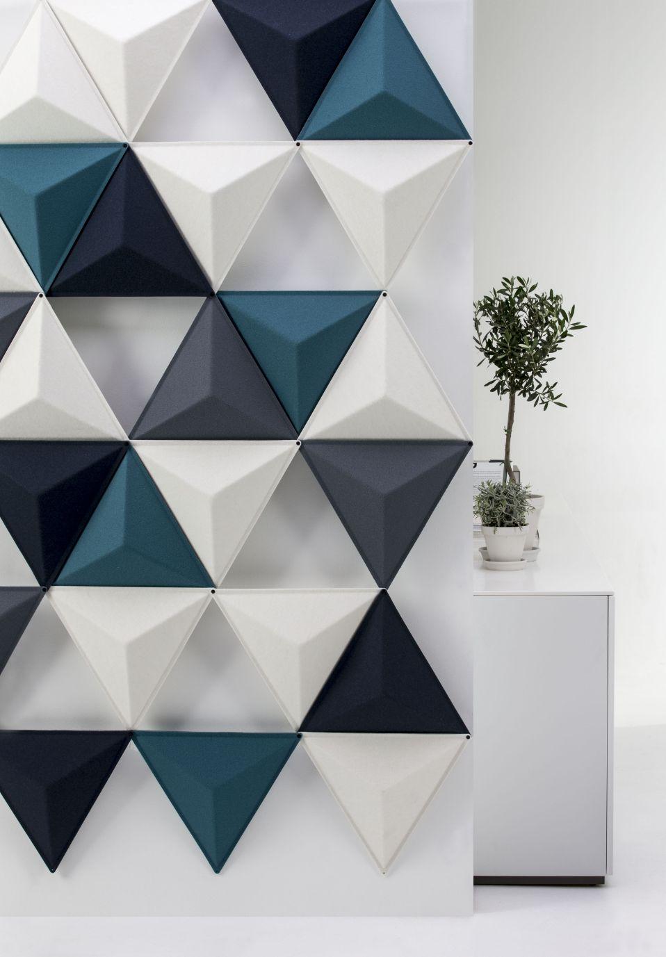 Een afbeelding van een akoestisch hang- plafond element op Akoestiekspecialist genaamd Abstracta Aircone.
