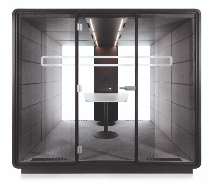Een afbeelding van een akoestische stiltecabine op Akoestiekspecialist genaamd Mikomax Hush Meet Large.